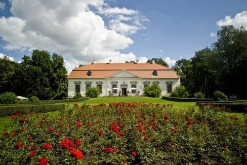 Pałac w Oborach