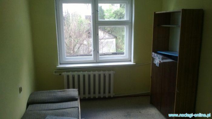 Piętro z 2 pokojami do wynajęcia na Openera