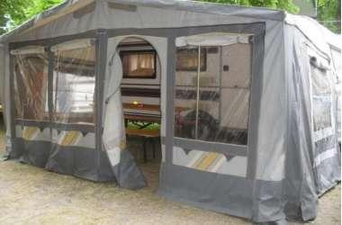 Przyczepy campingowe i domki letniskowe 100m od morza