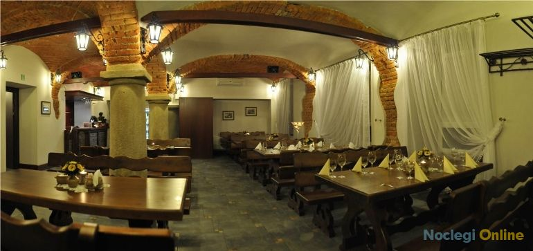 Restauracja - noclegi STARY DWÓR