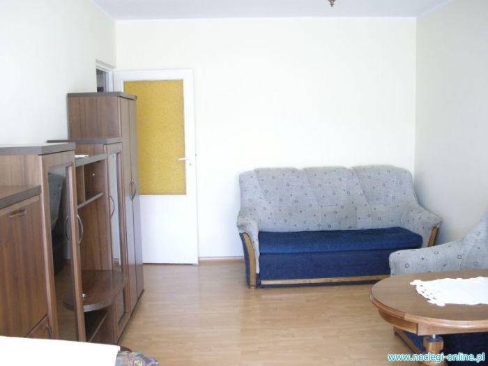 Samodzielne, umeblowane, skomunikowane, mieszkanie 2 pokoje z kuchnią i łazienką