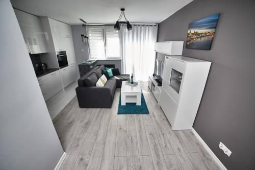 Szary Apartament Centrum