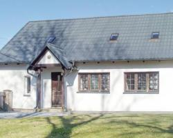 Three-Bedroom Apartment in Przywidz