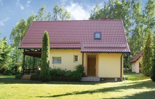 Three-Bedroom Holiday Home in Golubie