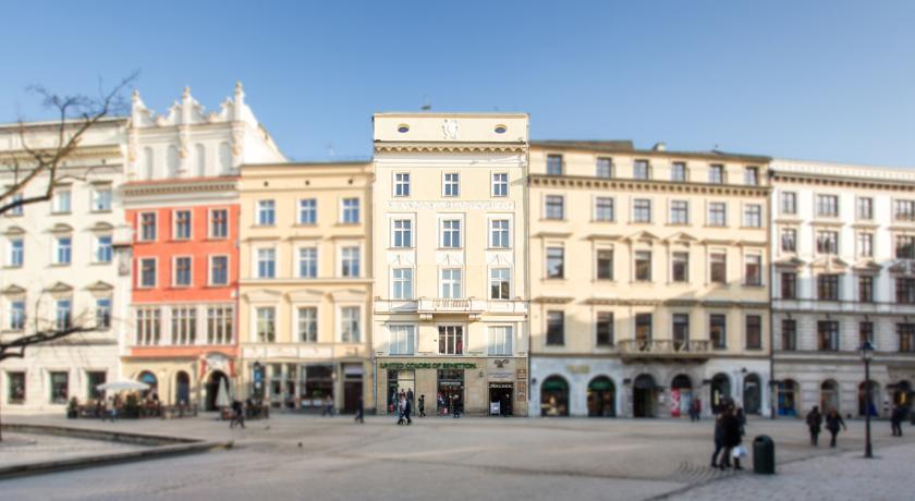 Venetian House Market Square Aparthotel Krak W Tanie Noclegi W Krakowie Z Rezerwacj Online